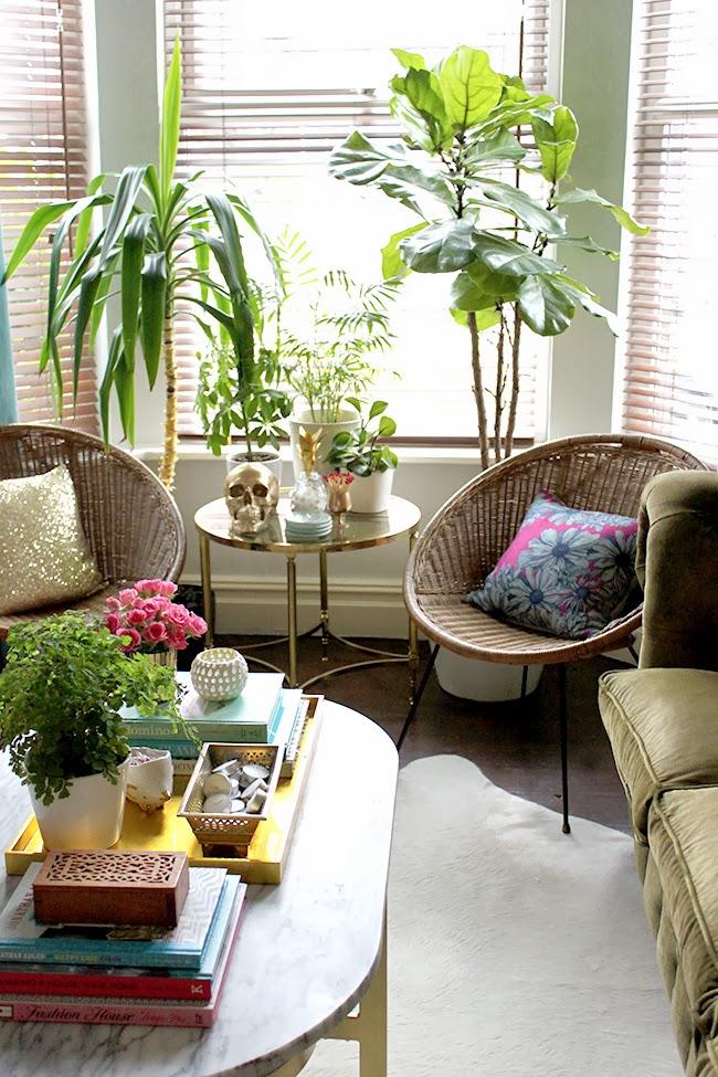 Uma sala pequena e cheia de estilo a casa que a minha v for Casas decoradas con plantas naturales