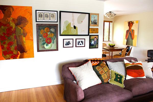 casa com pinturas de retrato1