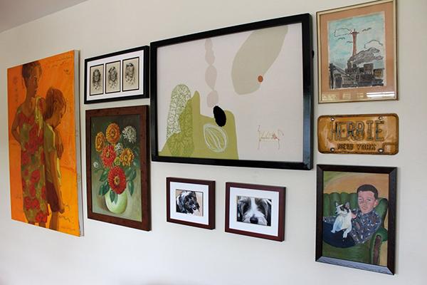casa com pinturas de retrato5
