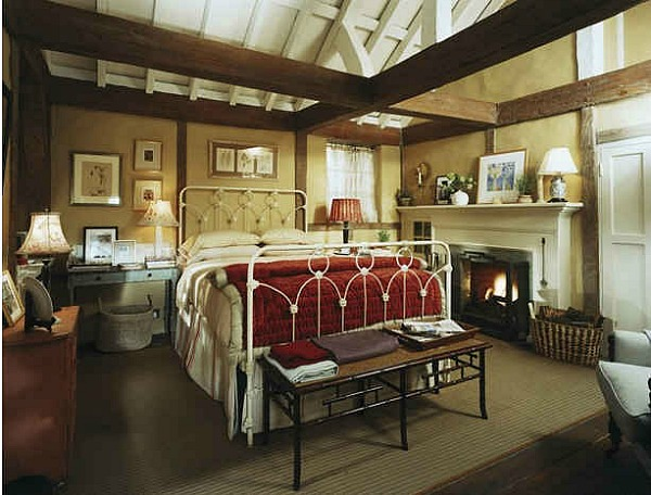 The-Holiday-movie-Iriss-cottage-bedroom-AD