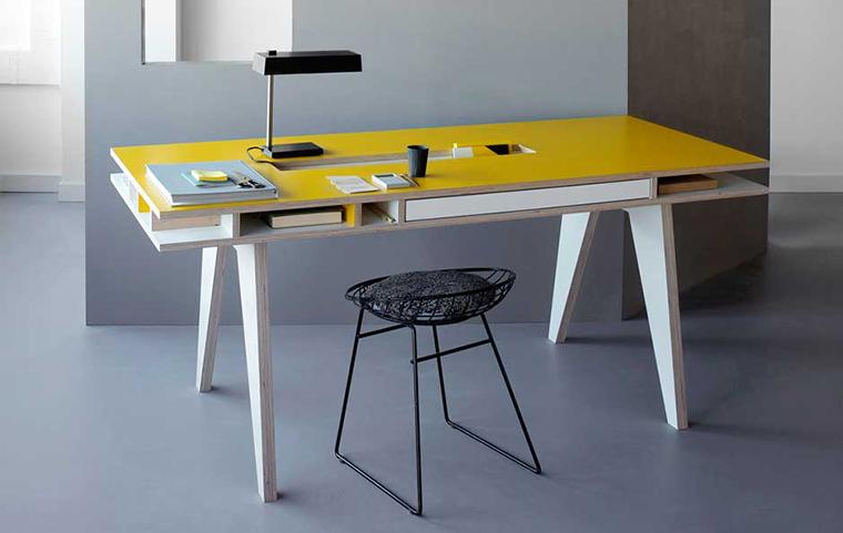 mesa com divisórias2