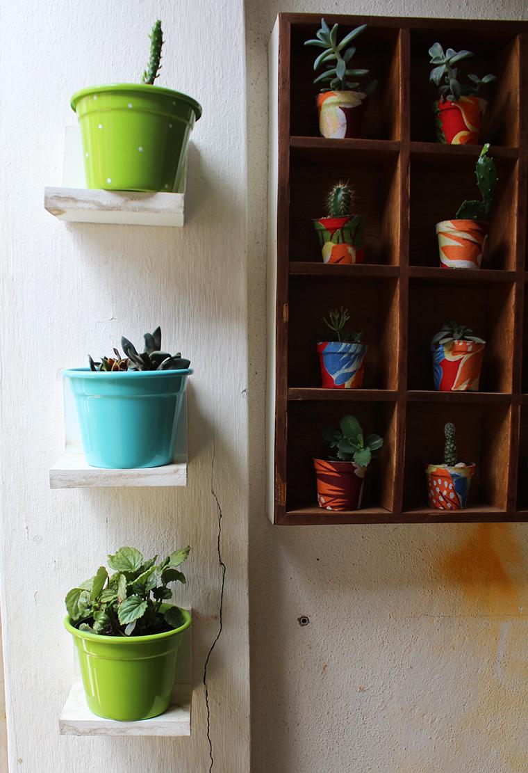 Plantas na casa da leyla e 10 boas ideias para seus vasos - Estantes para plantas ...