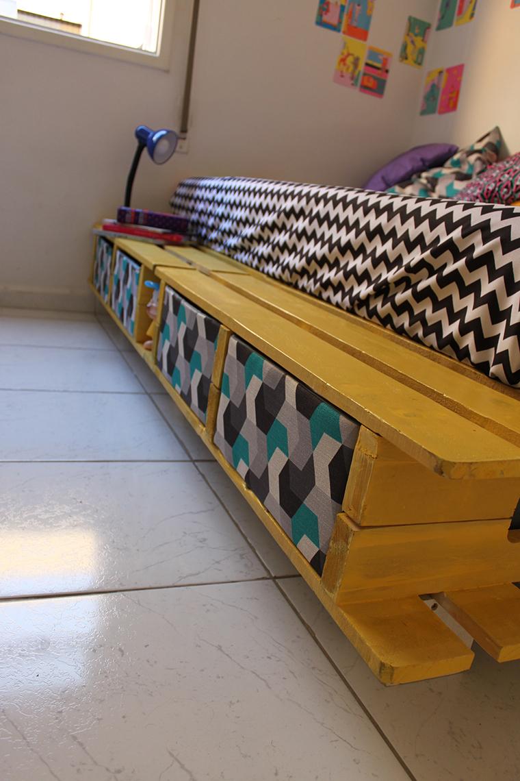 como fazer uma cama de paletes11